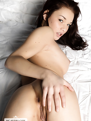MC-Nudes  Nici Dee  Erotic, Legs, Young, Beautiful, Softcore, Teens, Solo