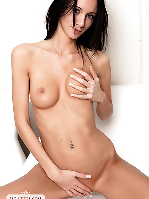 MC-Nudes  Eveline  Brunettes, Erotic, Young, Natural, Solo, Teens, Softcore, Beautiful